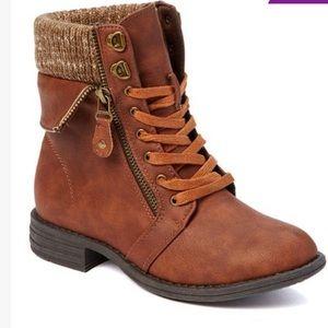 Bucco cognac ankle boots